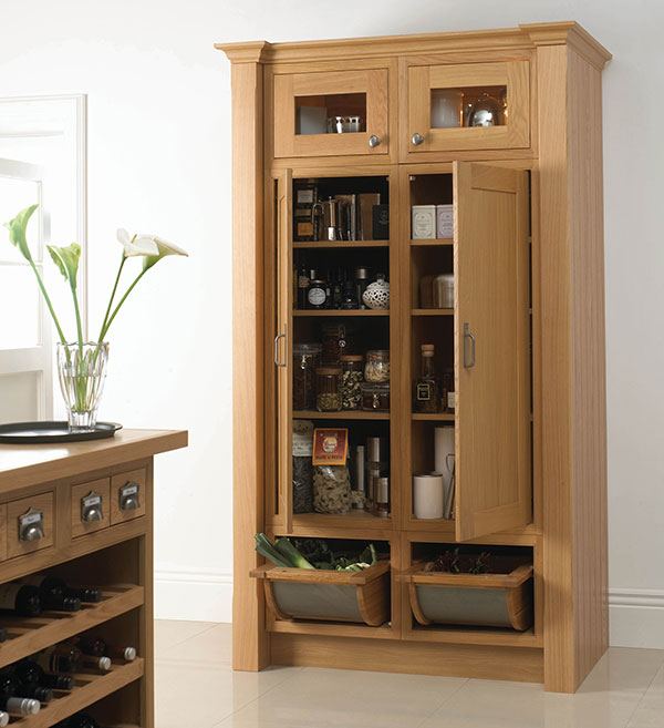 Wentworth design sunbury larder and base unit solutions for Oak kitchen larder units